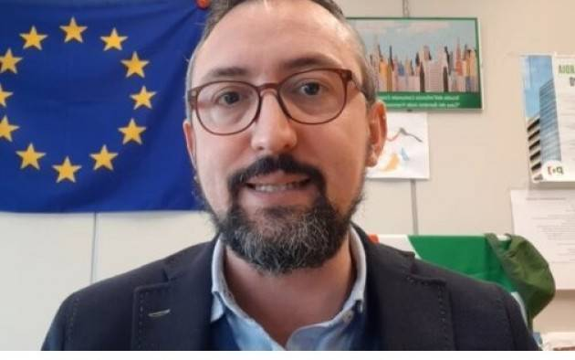 Matteo Piloni (PD) C'E' UN'ARIA... IL PROBLEMA SONO SEMPRE LE VACCINAZIONI