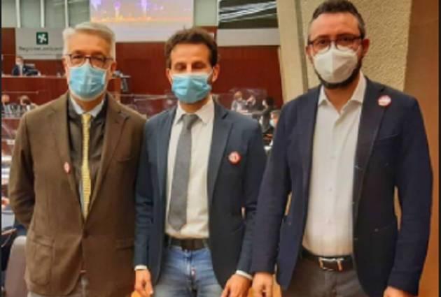 Matteo Piloni (PD) UNA SPILLA PER DIRE 'MAI PIÙ FEMMINICIDI'