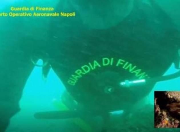 I fondali dei Faraglioni Capri e del Golfo di Napoli demoliti dai bracconieri