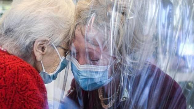 Rinnovare le RSA Raccolta firme indetta dai sindacati pensionati Cgil-Cisl-Uil