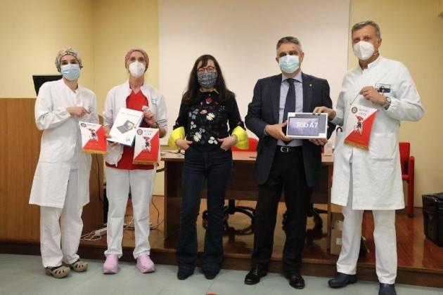 Piacenza Rotary International  in aiuto della scuola: dona 33 tablet