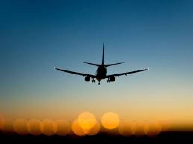 Boom di viaggiatori a Malpensa e Linate, 20mila in tutto