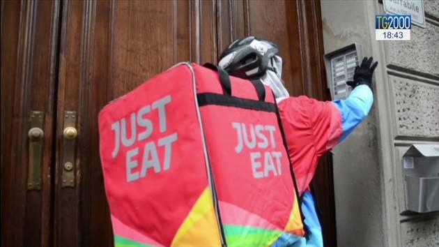Storico contratto rider tra Cgil-Cisl-Uil  e Just Eat con 4 mila nuovi assunti