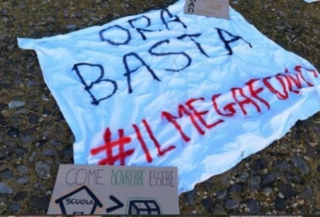Cremona oggi, 8 aprile, Flah Mob studenti contro la DAD  | Il Megafono