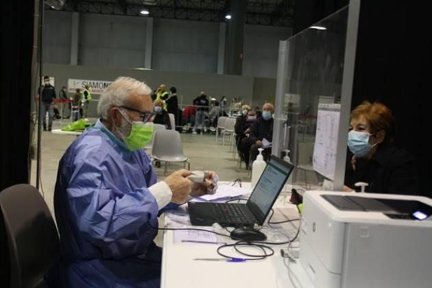 ASST L'HUB vaccinale di Cremona Fiere aumenta il potenziale vaccinale
