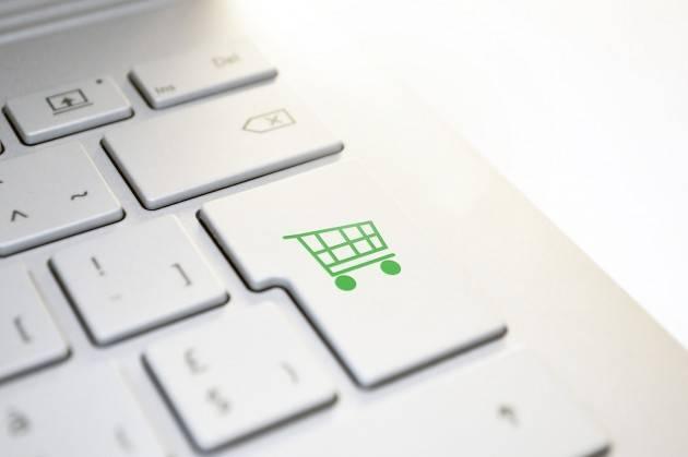 La spesa è on line: sempre più italiani scelgono il web per fare la spesa
