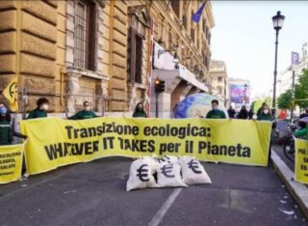 Greenpeace a Draghi: ''Whatever it takes per il pianeta''