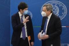 Bene Draghi difende ancora Speranza: 'Critiche non fondate né giustificate' |G.C.Storti