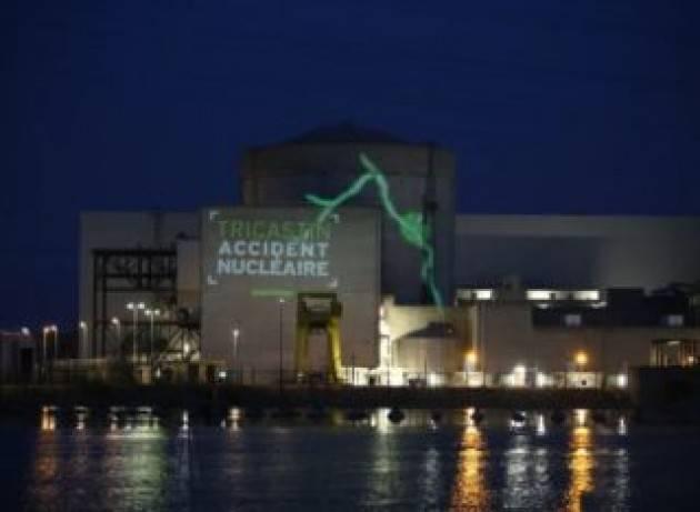 La Francia prolunga la vita di 16 centrali nucleari: vecchi reattori e nuovi rischi per l'Italia
