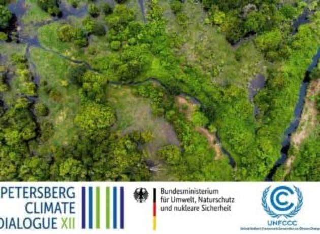 Guterres ai Petersberg Climate Dialogue: emissioni zero per non cadere nell'abisso climatico