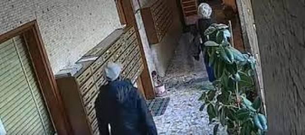 Rapine a persone anziane, due arresti