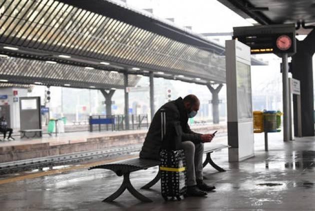 Un uomo travolto e ucciso da un treno a Milano-Rogoredo