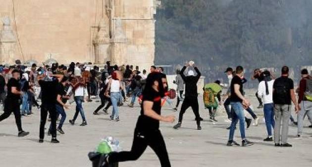 37 bambini palestinesi feriti e arrestati a Gerusalemme Est