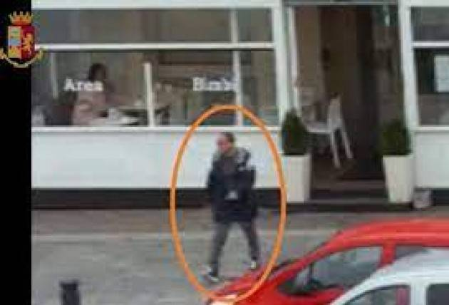 Spaccio nel bar a Brescia, cinque arresti
