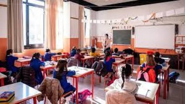 Ats Milano, contagi in calo nelle scuole