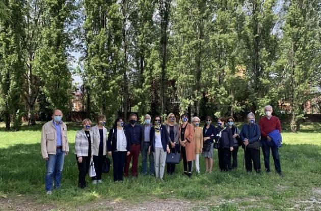 Cremona Nuovi arbusti e siepi al Parco Tognazzi