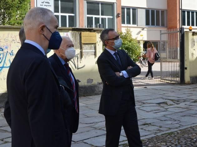 Cremona Presidente Cariplo G. Fosti visita Chiesa di San Vincenzo