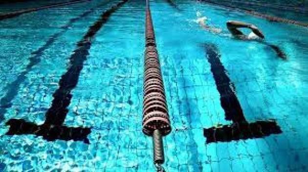 Gli orari estivi per il nuoto libero delle Piscine comunali scoperte del Polisportivo Franzanti e della Farnesiana