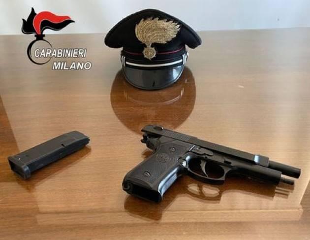 Tenta rapine con pistola finta, arrestato nel milanese