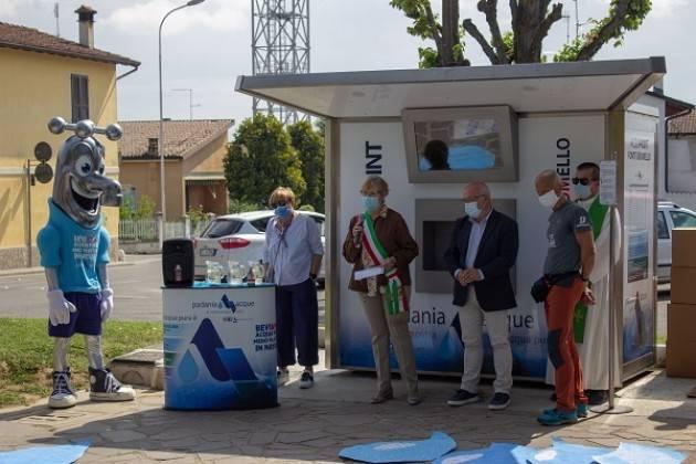 Padania Acque : Inaugurata  la casa dell'acqua 'Fonte Grumello'