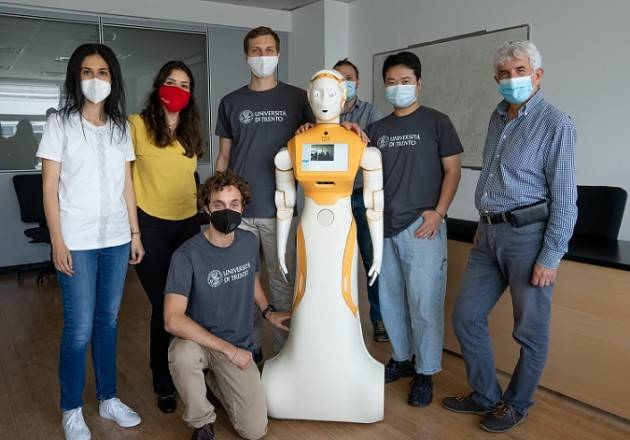 A UniTrento arriva il robot umanoide ARI