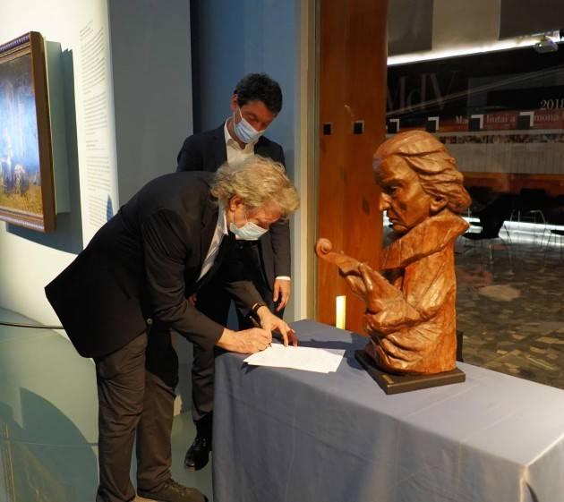 Al Museo del Violino due busti di Antonio Stradivari