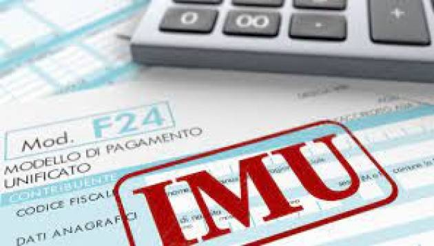 IMU, chiarimenti sulla riduzione del 50% per gli italiani all'estero