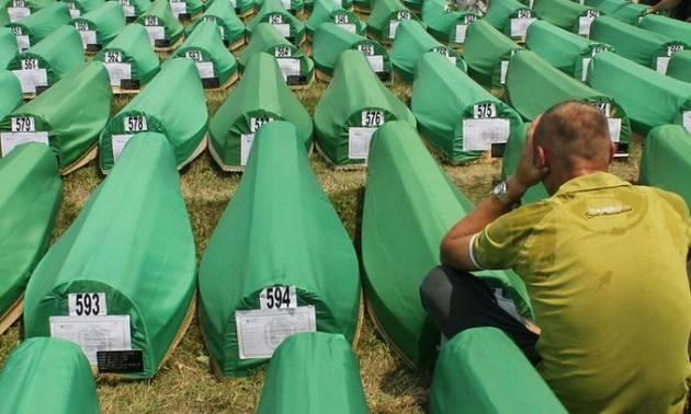 Confermato l'ergastolo a Ratko Mladić, il boia di Srebrenica