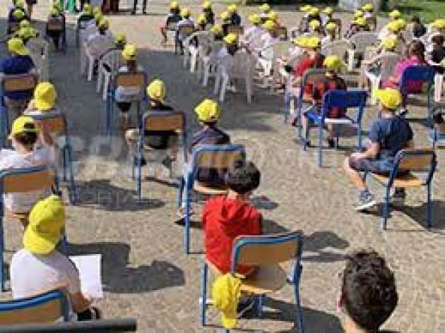 Gli alunni di Ripalta Cremasca a Castelporziano con il Presidente Mattarella