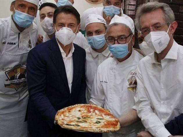 Conte (M5S)  a Napoli rilancia 'il dialogo ' con il PD ed altre forze di sinistra