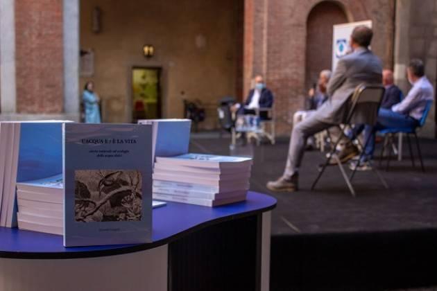 Padania Acque e Fondazione Banca dell'Acqua Presentato il volume  L'acqua e / è la vita di R. Groppali