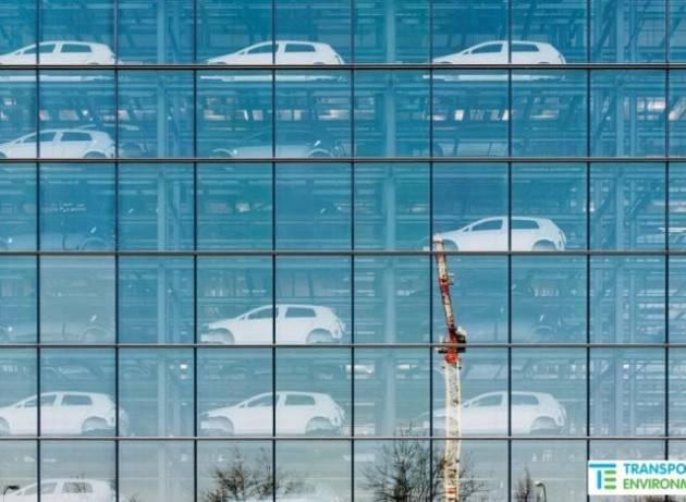 Auto elettriche: solo Volvo e Volkswagen in linea con gli obiettivi Ue