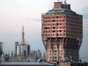 A Milano concerto su Torre Velasca per saluto prima restauro