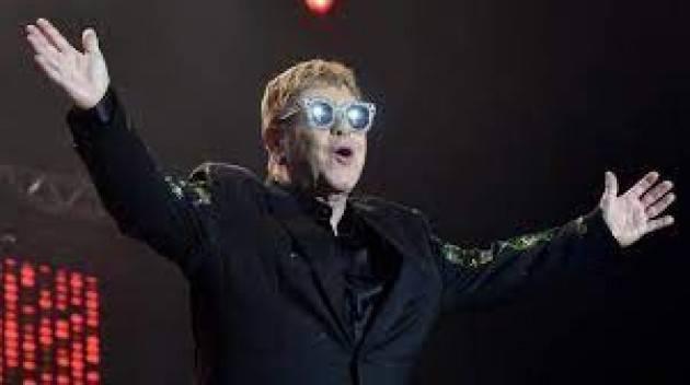 L'ultimo show italiano di Elton John in tour sara' a Milano