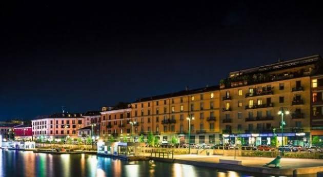 Ragazza rapinata in Darsena a Milano, due arrestati