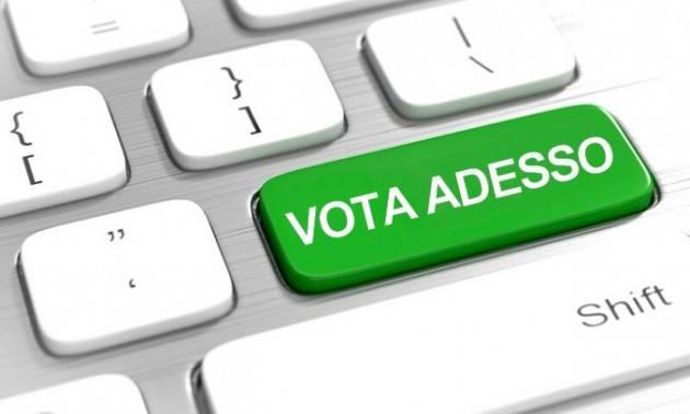 Italiani all'estero, ok alla sperimentazione del voto elettronico