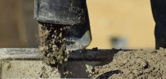 Il cemento divora la campagna bergamasca