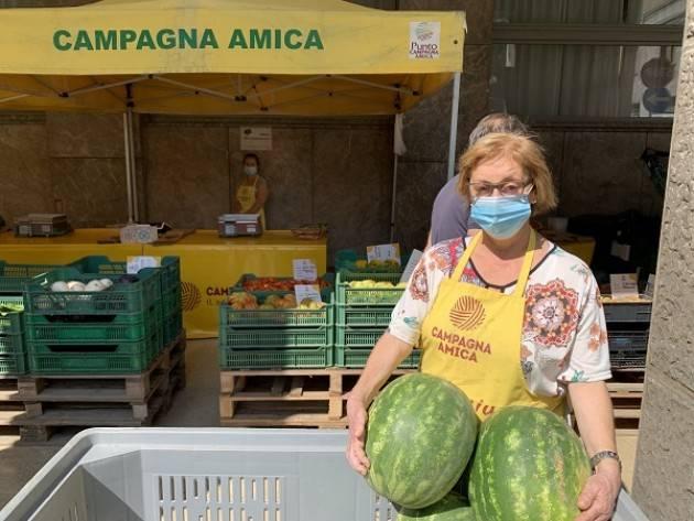 Coldiretti L'anguriata al mercato di Campagna Amica a Crema