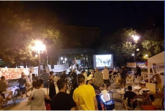 Tanta gente a Cremona all'iniziativa Genova per NOI  la sera del 21 luglio