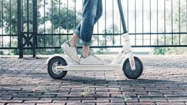 Resiste la sharing mobility, boom dei monopattini