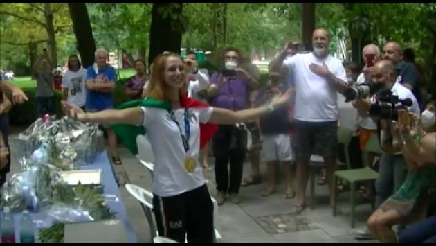 Cremona La Bissolati abbraccia, applaude e si commuove con Valentina Rodini ed il suo  Oro Olimpico