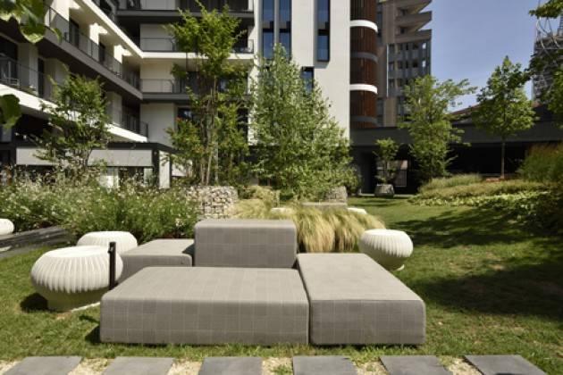 Oasi verde e cucina stellata al Milano Verticale
