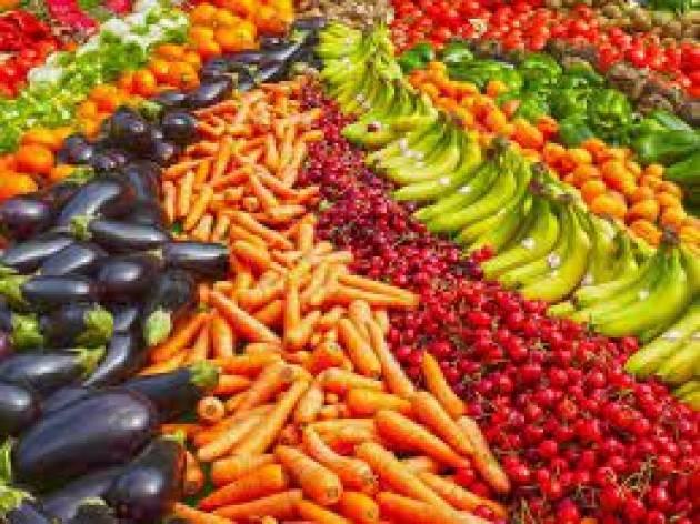 La Commissione riduce la presenza di contaminanti cancerogeni negli alimenti