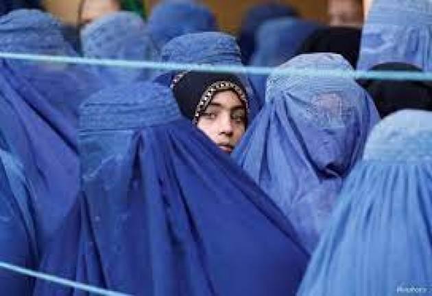 La donna afghana deve tornare al guinzaglio | Oscar Bartoli  Washington