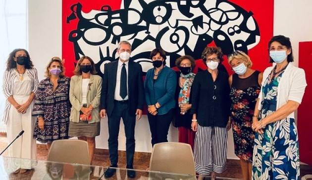 Della Vedova incontra rappresentanti delle associazioni per la tutela dei diritti delle donne