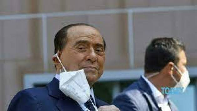 Silvio Berlusconi ha lasciato l'ospedale San Raffaele