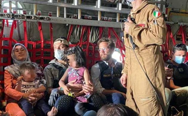 Di Maio: evacuati tutti gli italiani in Afghanistan