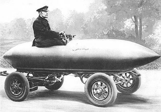 Gianluca Passarella La prima auto elettrica è del 1907