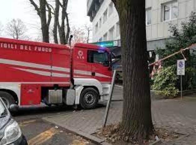 Incendio in casa a Milano, nessun ferito