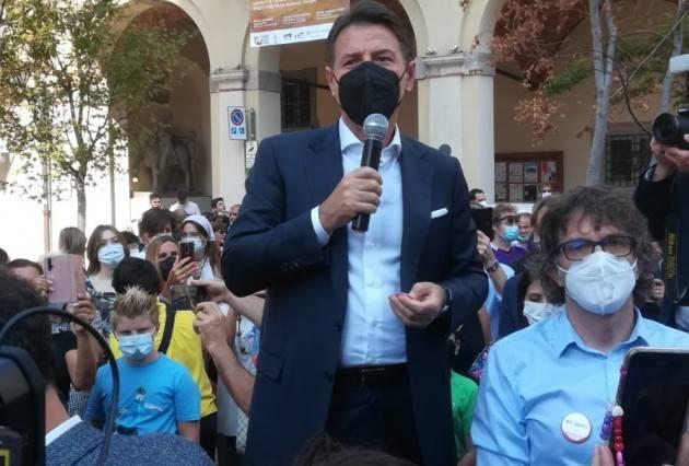Il Presidente  Giuseppe Conte (M5S) a Treviglio (video #zonacheck)